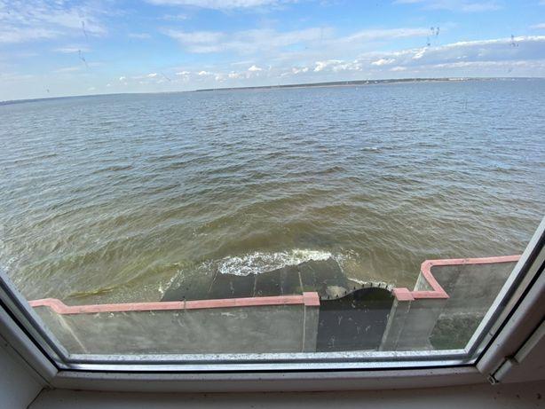 Продажа отличного дома возле реки с хорошим спуском для лодки!