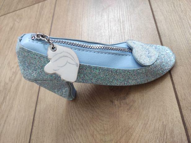 Kuferek dla dziewczynki bucik