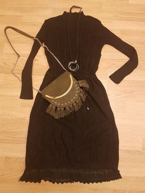 Czarna sukienka wykończona falbanką, rozmiar S