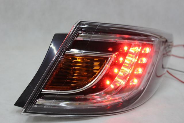 Lampa prawa tył tylna w błotnik MAZDA 6 r.08-09 Sedan HB LED NOWA!