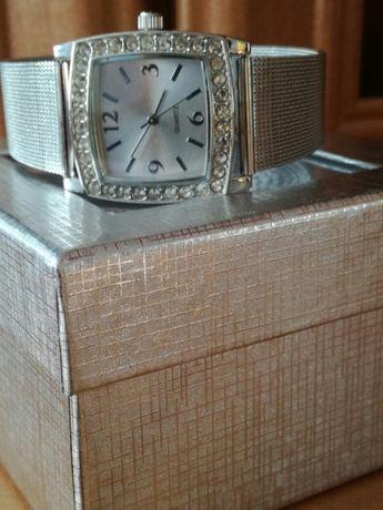 Piękny damski zegarek bużuteryjny z cyrkoniami - Eternal bransoleta