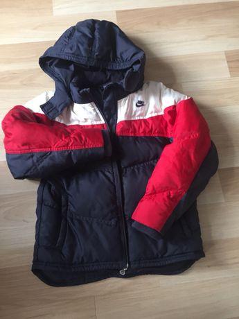 NIKE kurtka chłopięca 122 cm, zimowa.