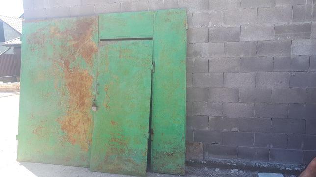 Ворота гаражні,двері металеві.