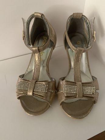 Туфли для бала танцев выпускного