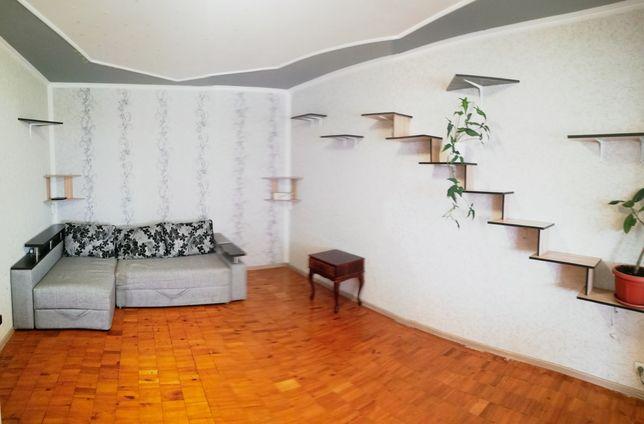Продам 2 х ком квартиру улучшенной планировки