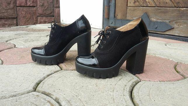 Продаються туфлі