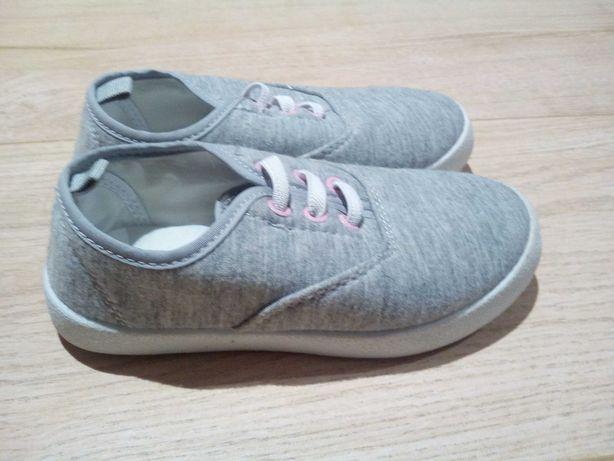 Nowe trampki, buty, buciki