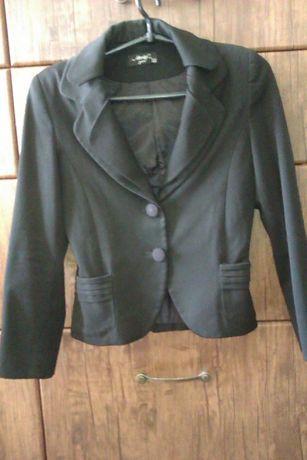 Продам стильный школьный пиджак