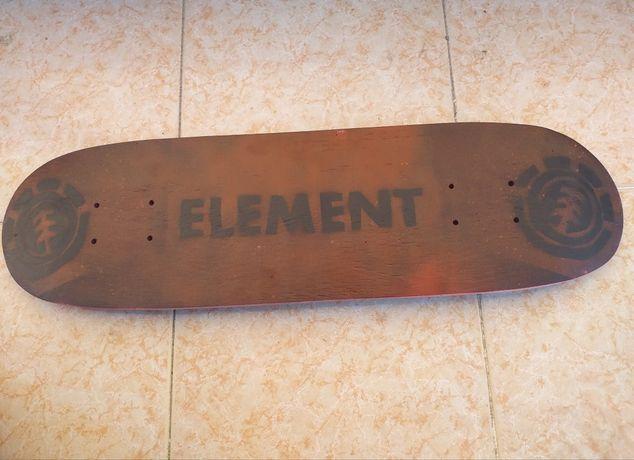 Tábua de skate falta lixa