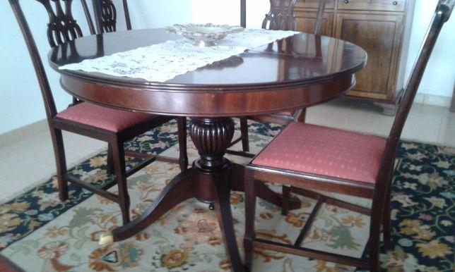 Mesa e Cadeiras de Casa de Jantar