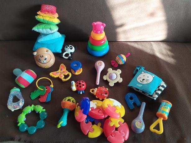 Набор игрушек для малыша до 1 года