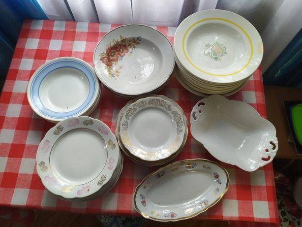 37 тарелок в одни руки