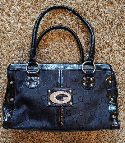 Śliczna torebka j. Gucci Guess czarna