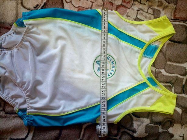 Продам костюм для гимнастики и босоножки