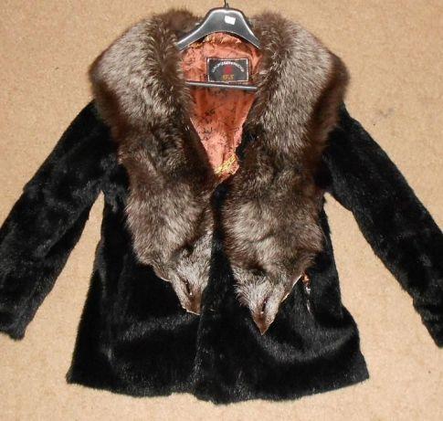 шуба сурок (полевая норка ) с чернобуркой 46-48 размер