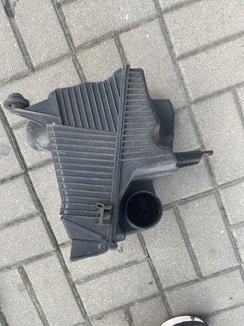 Filtr powietrza Renault Scenic II 2.0i  2007