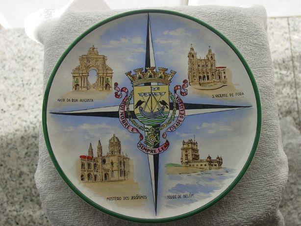 prato antigo em faiança da Aleluia - monumentos e armas de Lisboa