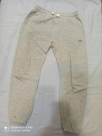 140 4f spodnie szare dresy
