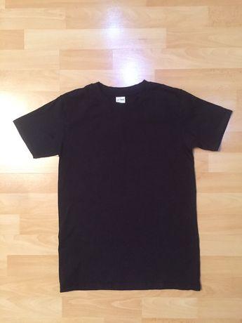 Черная мужская ( подростковая) футболка раз. S наш 42 раз.