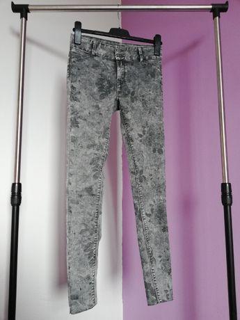 Spodnie rurki skinny jeans szare kwiaty C&A rozm. 34