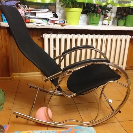 metalowy fotel bujany