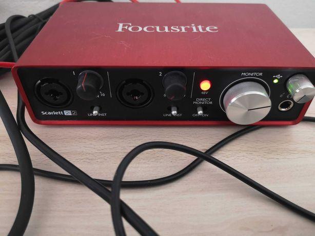 Interface USB Focusrite Scarlett 2i2 (2ª Ger.)