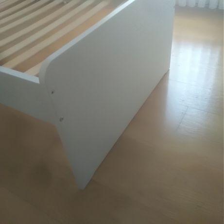 Mobiliário branco