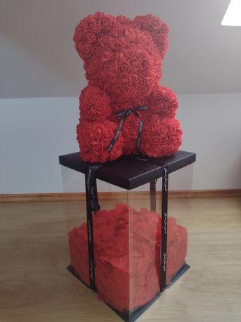 Miś z róż + PŁATKI RÓŻ w pudełku