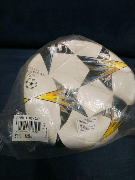 Мяч Adidas размер 5