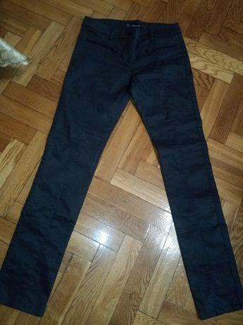 Spodnie damskie 36 ze szwem po środku
