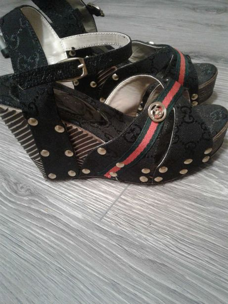 Buty na koturnie r 36
