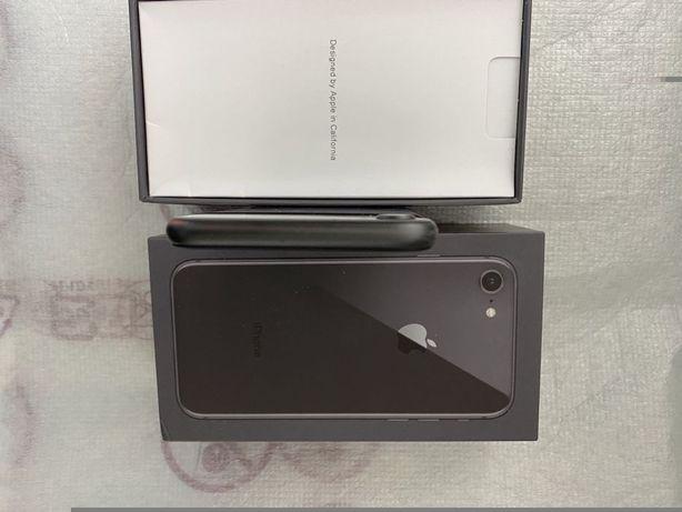 Iphone 8 продам отличный телефон