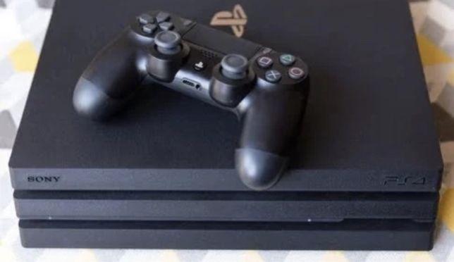 PS4 PRO com comando impecavel 1TB