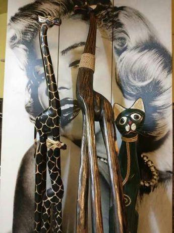 Żyrafy z drewna