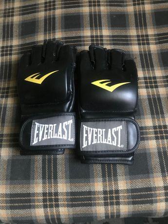 rękawiczki do treningów MMA