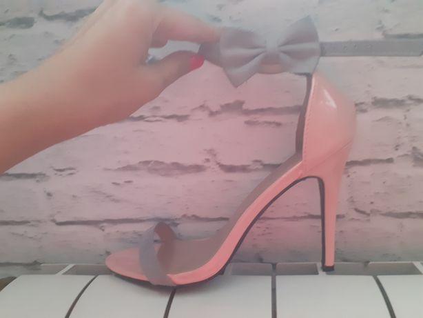 Sandałki na obcasie szpilki sandały