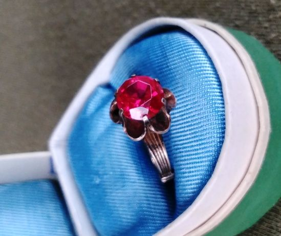 Кольцо серебряное с рубином серебро СССР - звезда 875 проба