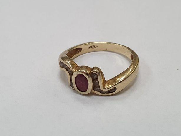 Piękny złoty pierścionek damski/ 585/ 4 gram/ R15/ Cyrkonie/ sklep