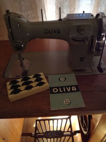 Oliva CL 50 maquina de costura e bordar