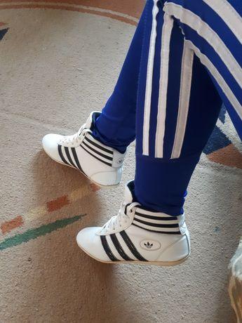 Кроссовки 24.3 см adidas