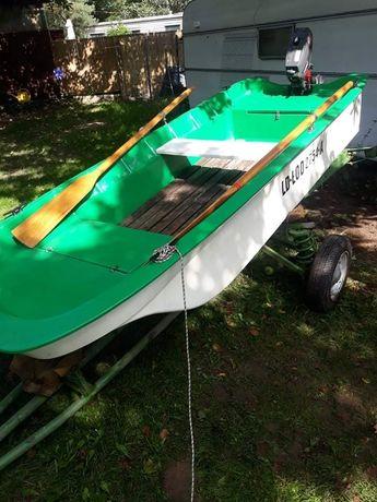 Łódka z silnikiem zaburtowym 3.5km