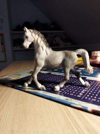 Figurki koni firmy schleich