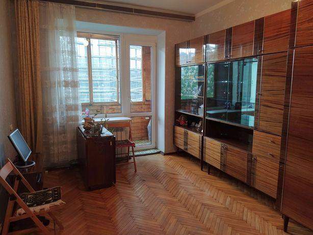 1-комнатная квартира пер. Гордиенко (Центр Киева)