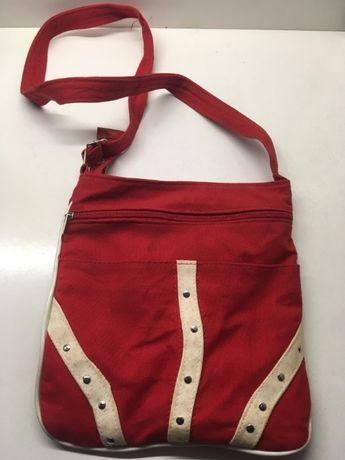Bolsa & Mala Vermelha e Branca