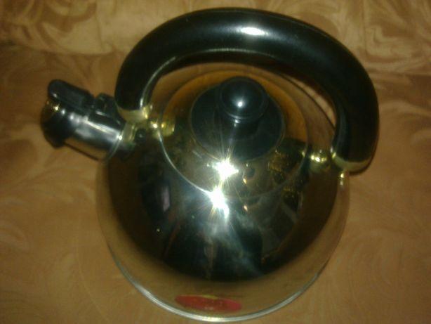 """Продам новый чайник со свистком из нержав/ стали фирмы """" CARDINAL"""""""