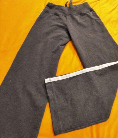 Унисекс. Теплые  штаны  фирмы Domyos. 38 размер