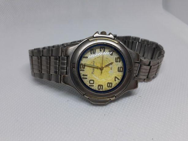 Часы Philip Persio фосфорные кварцевые с браслетом винтаж