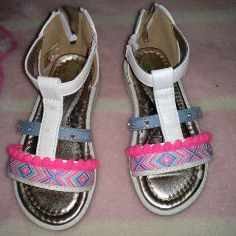 Sandália de menina, tamanho 25