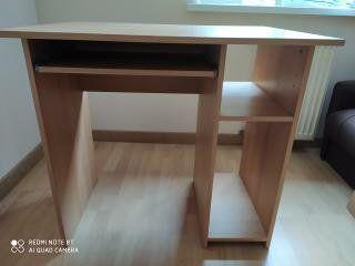 Sprzedam małe biurko