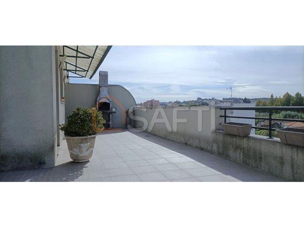 Apartamento T3 com terraço em S João da Madeira